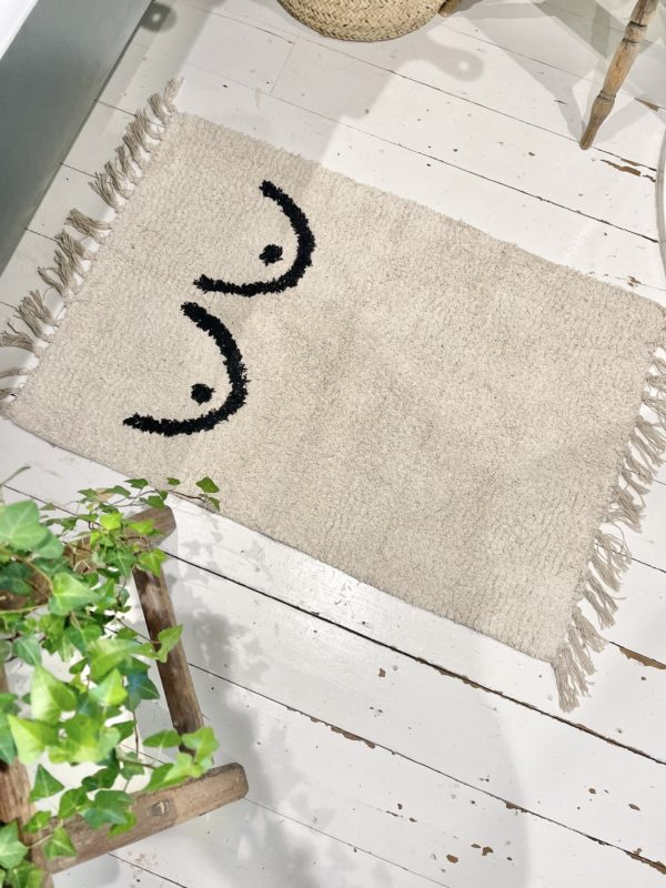 cotton rug with boobs on